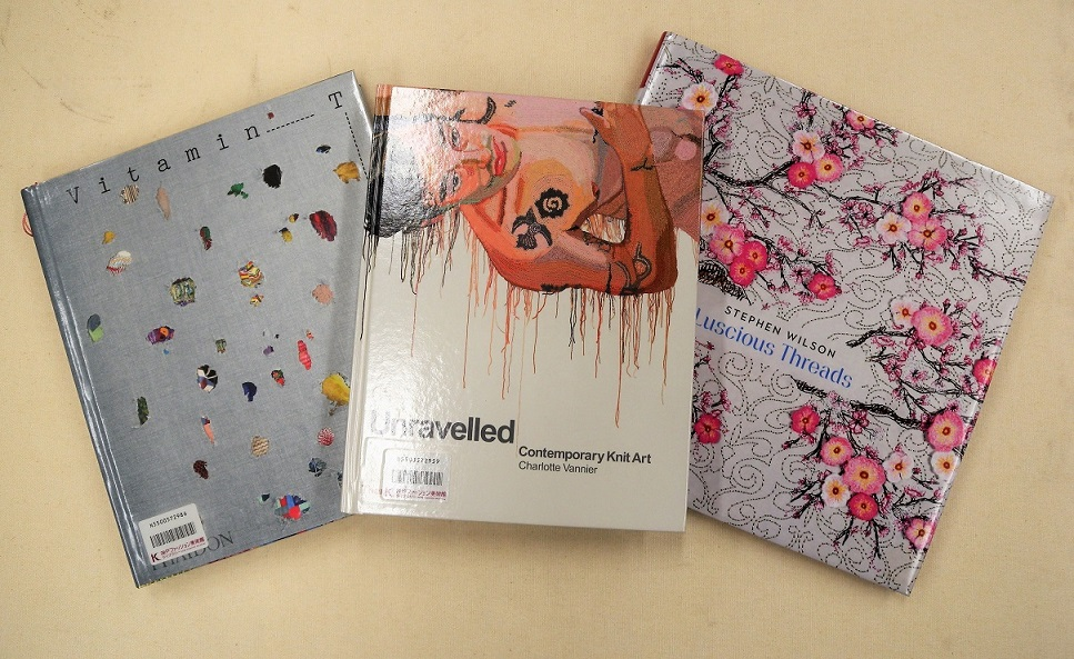 [新着情報] 2月のライブラリーの新着図書は、現代アートの作品集です。注目は、刺繍を使った作品集「Luscious Threads」です。