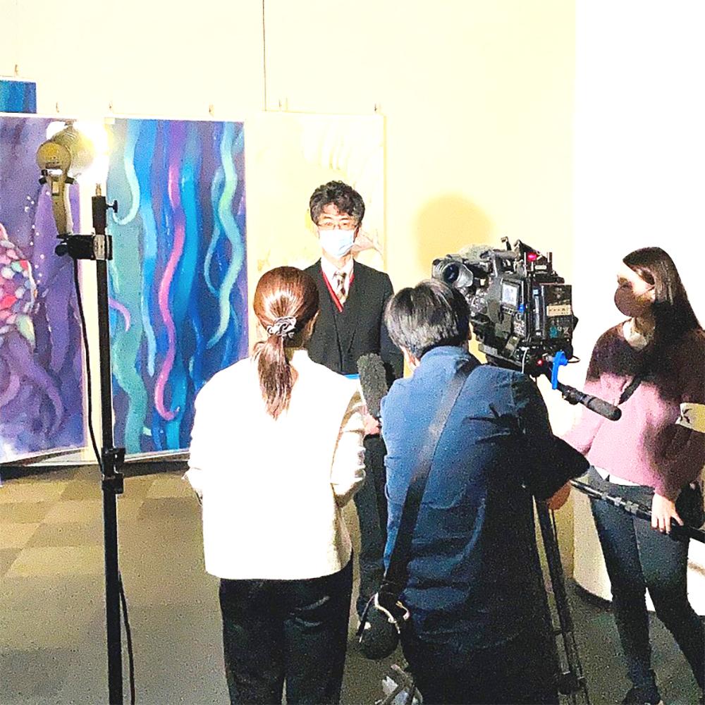 「にじいろのさかな原画展」が、NHK関西のニュースで紹介されました!